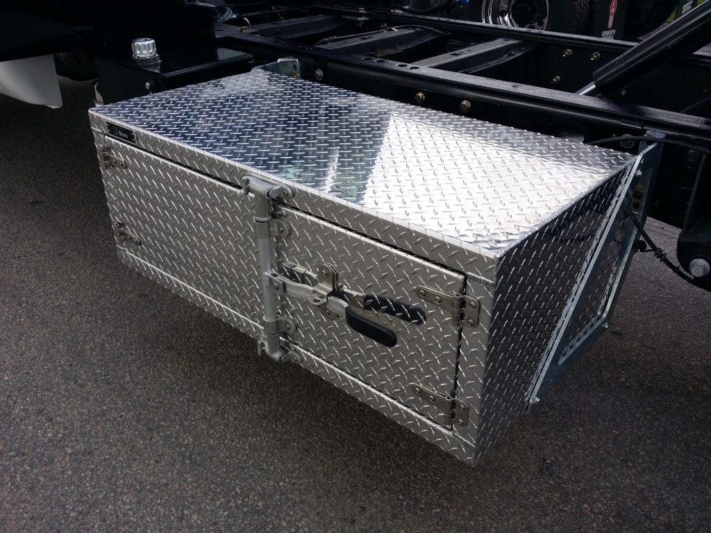 Coffre en aluminium fini diamant