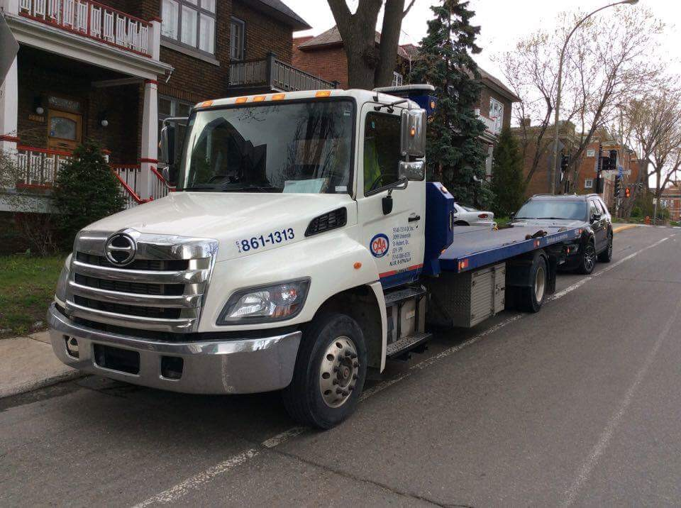 PLATE-FORME REKA 21 PIEDS SUR HINO 258 2015