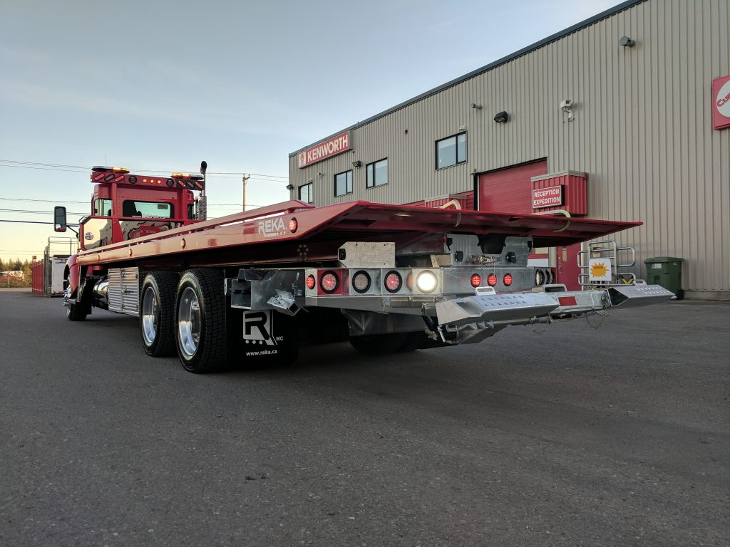 DEMO PLATE-FORME 10 ROUES REKA 40AC28 SUR KENWORTH T-370 2018