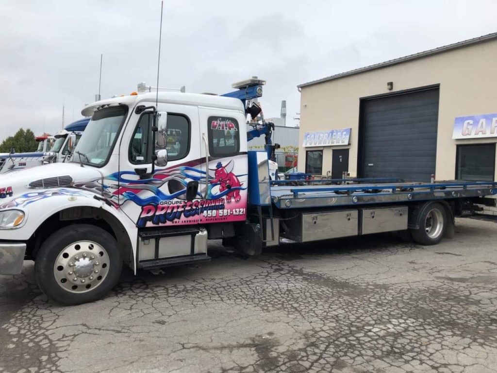 PLATE-FORME NRC 22 PIEDS SUR FREIGHTLINER M2 KING CAB 2014