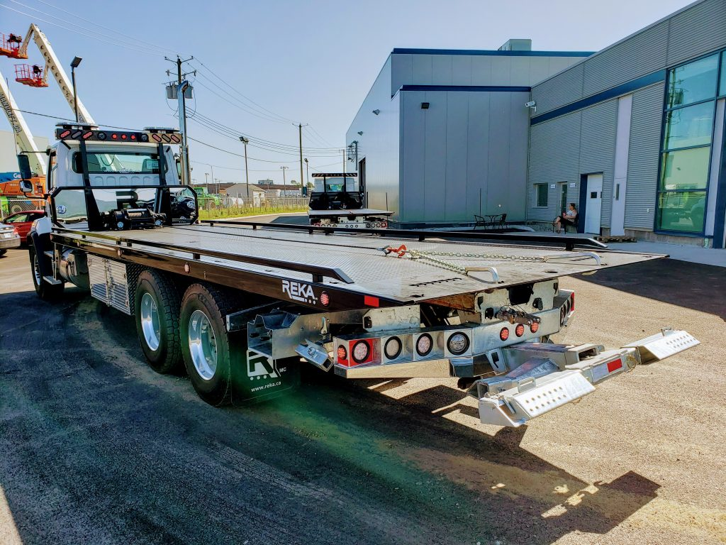 DEMO PLATE-FORME 10 ROUES REKA 40AC28 SUR FREIGHTLINER 114SD 2019