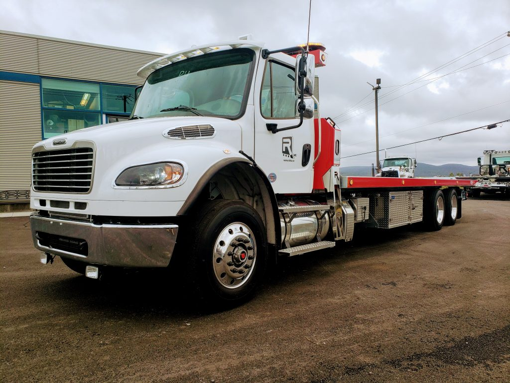 DEMO PLATE-FORME 10 ROUES REKA 40AC28-DMD-GALV SUR FREIGHTLINER M2 2020