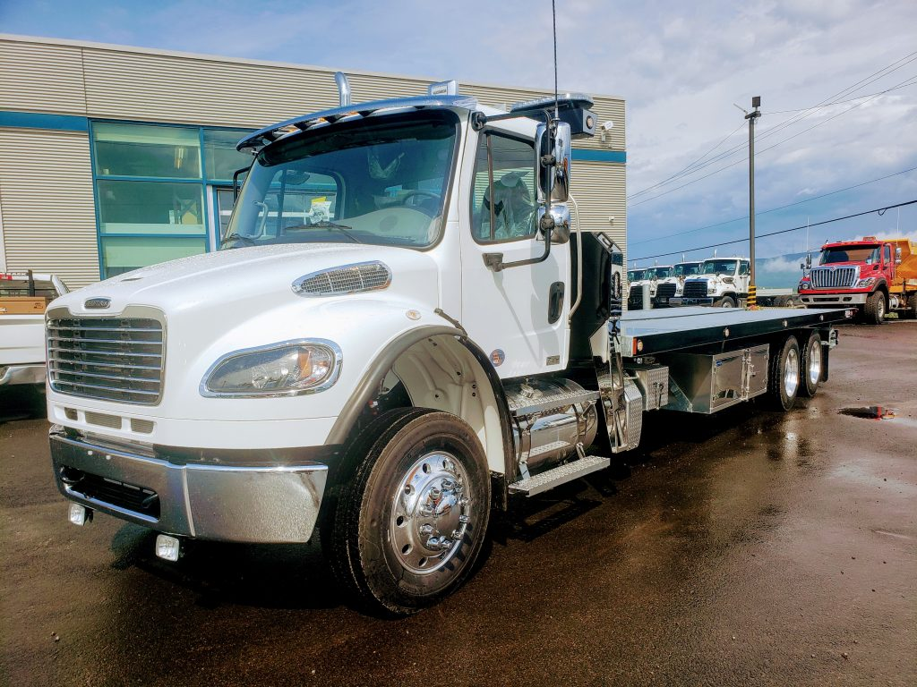 DEMO PLATE-FORME 10 ROUES REKA 40AC28-DMD-GALV SUR FREIGHTLINER M2-106 LOW PRO 2021